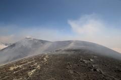Dynamic Landscape (Derbyshire Harrier) Tags: mist mediterranean dynamic path gas sicily sulphur geology volcanic active craterrim fumes mountetna activevolcano fumaroles boccanuova