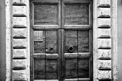 gate (Enhanced Reality) Tags: door blackandwhite italy rome texture vintage spring italia may italie 2016