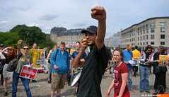 Nuit debout joined the anti-Monsanto movement (Red Cathedral uses albums) Tags: brussels sony streetphotography greenpeace solidarity alpha mam gmo brussel greve larp monsanto betoging monsatan redcathedral staking ttip globalclimatemarch a850 eventcoverage sonyalpha aztektv sansogm millionsagainstmonsanto marchagainstmonsanto stoptafta jesuisbruxelles nuitdebout mam2016 placedelarbertine stopregeringmicheldewever