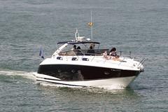 CFR1222 (Carlos F1) Tags: nikon d300 barco boat yatch yate sail navegar agua water sea mar mediterraneo harbour puerto marina transporte transport offshore barcelona spain