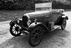 Week 21 bw Autos (MaurM1) Tags: cars vintage photo challenge humber 2016