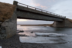 Illusion (ikithule) Tags: art ice clouds river iceland gate stones ranta j silta joki taide taivas kivi jannemaikkula thorshfn ikithule pivi