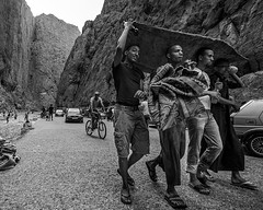 21 (21) - from a book - BE TARPININK / TRAVELING OPENLY (flavijus) Tags: africa bw boys rock nikon north atlasmountains morocco nikkor 1735 d810 todghagorge