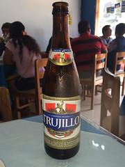 """Trujillo: une bonne bière de la ville ! <a style=""""margin-left:10px; font-size:0.8em;"""" href=""""http://www.flickr.com/photos/127723101@N04/27773133196/"""" target=""""_blank"""">@flickr</a>"""