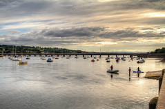 Dancing water (Ollie_57.. on/off) Tags: uk bridge light summer england sky people water june clouds canon reflections river skyscape landscape boats scenery view scenic devon 7d picturesque hdr teignmouth 2016 riverscape teignestuary ef24105mm ollie57 affinityphoto