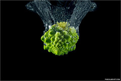 Romanesco splash (pascalbovet.com) Tags: water fruit tank splash