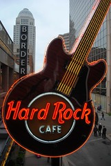 Hard Rock Cafe, Fourth Street (Cragin Spring) Tags: city urban downtown neon guitar kentucky ky louisville hardrockcafe fourthstreet louisvillekentucky