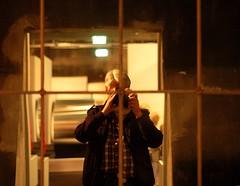 Disharmonie im Fadenkreuz (niedersachsenfoto) Tags: essen spiegel spiegelbild zollverein selbstbildnis fadenkreuz ruhrmuseum katernberg flickrtreffen niedersachsenfoto