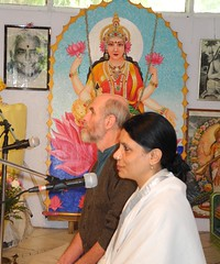 "Vamadeva Shastri and Yogini Shambhavi teaching at the Sivananda Ashram • <a style=""font-size:0.8em;"" href=""http://www.flickr.com/photos/80108875@N05/7176959635/"" target=""_blank"">View on Flickr</a>"