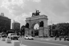 "Grand Army Plaza B&W • <a style=""font-size:0.8em;"" href=""http://www.flickr.com/photos/59137086@N08/7180433847/"" target=""_blank"">View on Flickr</a>"