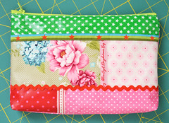 Tschchen Zip Pouch (ellis & higgs) Tags: flowers stars ribbons handmade sewing polka fabric pouch zipper dots tilda zip oilcloth tasche kosmetik nhen handgemacht tschchen wachstuch stenzo reisverschluss