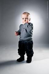 018-Lapsikuvia-6kk (Rob Orthen) Tags: studio childphotography offcameraflash strobist roborthenphotography lapsikuvaus
