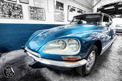 """Citroën DS23"" [151/366] (Domonte Design) Tags: auto old blue car azul wagon high dynamic blu alt citroen ds voiture bleu coche blau angular range viejo alto azzurro hdr highdynamicrange vieux celeste vecchio vell bracketing wagen dinamico ds23 cotxe rango autoa vello colaboracion horquillado altorangodinamico domonte 366project2012 domonte366project2012 366project2012mayo"