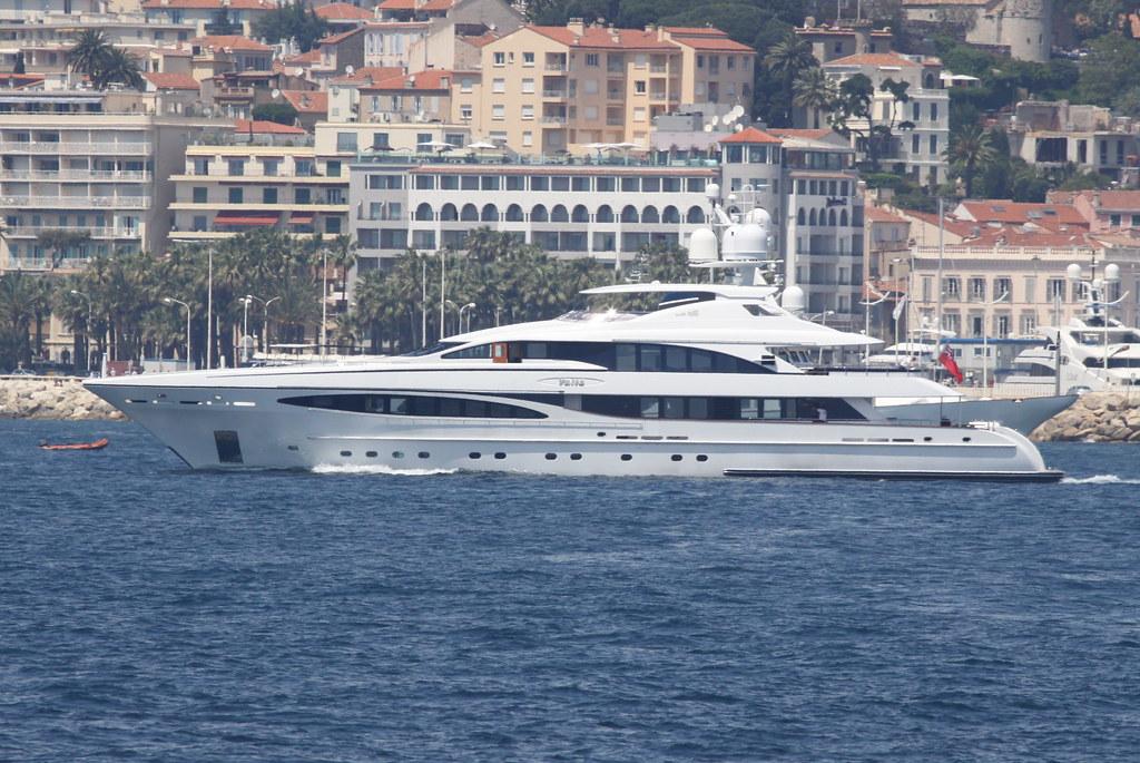 Yalla (Heesen Yachts 4700 Steel)