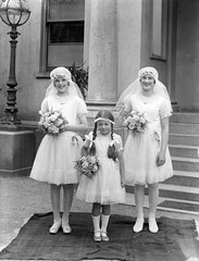 Smiliest flower girls ever? (National Library of Ireland on The Commons) Tags: 1920s ireland wedding july saturday rug plaits 27th bouquets 1929 flowergirls glassnegative veils twenties rockfield nationallibraryofireland ahpoole locationidentified peopleidentified poolecollection arthurhenripoole oneillpower dateestablished