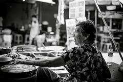 Thailand - Cooking in Bangkok (Cyrielle Beaubois) Tags: old portrait woman thailand asia thalande thai asie southeast 2015 canoneos5dmarkii cyriellebeaubois