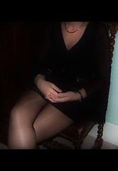 Une rception chez son patron (photophil16) Tags: sexy noir femme mini jupe soiree botte patron salope dcollet