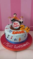#torta #bateria #fondant #cake #party #birthday #cumpleaos #drums #chocolate #vainilla #cupcake #cupcakes #cream #crema (tartasideas) Tags: birthday party cake drums cupcakes chocolate cream cupcake bateria cumpleaos crema torta fondant vainilla
