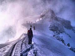rispettare la fila prego.. (ruberti) Tags: mountain snow storm ice climb high cool europe extreme peak mount climbing queue freeze neve monte alpinismo bianco blanc freddo ghiaccio alpinism tacul photographyforrecreationeliteclub