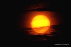 Transit de Vénus devant le Soleil le 6 juin 2012 -  Transit of Venus  between earth and the sun June 5th 2012