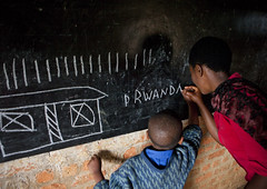 Primary school in Gisakura - Rwanda (Eric Lafforgue) Tags: poverty africa school education classroom interieur rwanda indoors afrika inside tableau commonwealth pupil ecole classe afrique eastafrica teatcher centralafrica 2537 kinyarwanda ruanda eleve afriquecentrale     republicofrwanda   ruandesa