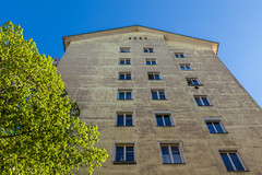 119 / 365 - House @ Dblinger Hauptstrae (Matthias Obergruber Photography) Tags: vienna windows sky house tree sunshine architecture canon austria spring shapes bluesky upwards dbling 2470mm 1190 at lookingintothesky dblingerhauptstrase canon5dmk2 vienna365