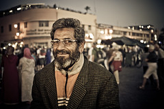 Marrakech - Place Jamma El Fna (aminefassi) Tags: africa street portrait copyright smile night lumix dof bokeh retrato panasonic morocco portraiture maroc marrakech marrakesh hdr marokko moroccan 43 lightroom  photographe m43 mft marocain  moroko marueccos gf3 retratto jammaelfna dmcgf3 aminefassi