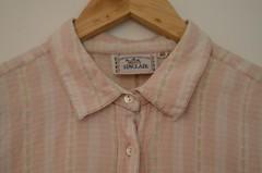 Krage. (Benjamin & jag) Tags: pink flowers shirt vintage buttons rosa clothes collar secondhand blommor sinclair klder skjorta knappar krage