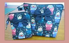 Necessaire e capa para celular (Zion Artes por Silvana Dias) Tags: bag quilt case celular patchwork bolsa matrioska tecido laço necessaire capaparacelular zionartes