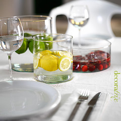 Ideas frescas para centros de mesa veraniegos 3 (Decoratrix.com) Tags: adorno cherry table idea lemon vase mesa adornment limn cereza jarrn