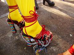 Sapatos (Viva as Cores - Márcia Aki) Tags: color colors cores zapatos sandalia sapatos sandálias colorido saltoalto paradaglbt paradaglbtsalvador