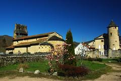 Vic d'Oust (Ariège/Pyrénées) (PierreG_09) Tags: village roman notredame église chapelle oust pyrénées pirineos clocher ariège couserans vicdoust