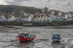 staithes (ginger_scallywag) Tags: uk england panorama tower canon boats coast fishing hand flood tamron northeast stitched daffodils handstitched headland captainjamescook whitbyabbey staithes robinhoodsbay sandsend cowbarnab cs6 eos450d yorkshirecoble marsk stgermainschurch