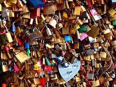 Paris (jokinregueiro) Tags: road travel bridge paisajes paris france love puente amor picture olympus padlock francia pars padlocks candado candados pue olympuscamera