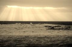 IMG_9494 (Andre56154) Tags: ocean italien sky italy sun clouds coast meer waves himmel wolken sicily sonne sonnenstrahlen sunbeams kste wellen sizilien ozean