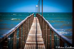 Verso l'infinito (Castello foto) Tags: sea pier mare rimini blueskies bagno 78 onde pontile orizzonte