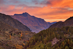 The Layers Around Queenstown || SOUTH ISLAND || NZ (rhyspope) Tags: new pink autumn sunset red orange cloud mountain pope fall nature sunrise canon point island south zealand nz queenstown 5d rhys arthurs mkii rhyspope