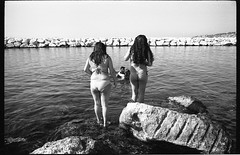 (Rescue Remedy) (Robbie McIntosh) Tags: leica boy blackandwhite bw woman man love film girl monochrome analog 35mm seaside rocks candid 28mm strangers streetphotography rangefinder bn lovers negative mp analogue speedos biancoenero argentique dyi selfdeveloped agfaapx100 pellicola elmarit analogico leicamp leicam filmisnotdead autaut lidomappatella leicaelmarit28mmf28iii mappatellabeach agfaphotoapx100 elmarit28mmf28iii arsimagofd arsimagofddeveloper arsimagofd159