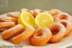 Cui nu i plac gogoile? Cu o reet simpl i un gust foarte bun, aceste gogoele ar trebui s fie n capul listei deserturilor de pregtit. Iat cum se fac: http://bucatariaramonei.com/recipe-items/gogosele-rapide-cu-ricotta-si-lamaie/  #desert #prajitu (bucatariaramonei.com) Tags: desert donuts ricotta fructe prajitura lamaie gogosi reteta