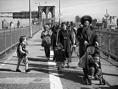Out of Line - Brooklyn Bridge. (minus6 (tuan)) Tags: mts minus6