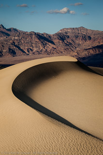Curved Sand