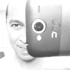 3552 | It's hip to be square | HTC Borg (Stewart Leiwakabessy) Tags: portrait selfportrait me self project myself phonecam square phone border smartphone stewart squareformat weeks weekly 52 wildfire htc 2011 leiwakabessy stewartleiwakabessy i