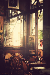 (nina's clicks) Tags: door coffee mirror cafe puerta chairs espejo