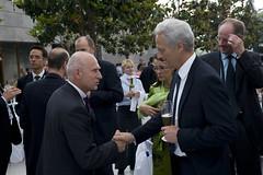 Patrick Oliva greets Peter Ramsauer