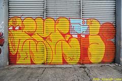 Cambuci - So Paulo - Brazil (Jurandir Lima) Tags: street city cidade brazil urban streetart muro art latinamerica southamerica brasil graffiti amrica nikon br arte grafiti sopaulo capital bra centro brasilien gustavo sp urbana rua latina brasile desenho parede pintura bairro otvio brsil grafite artederua osgemeos amricadosul metrpole sudeste  osgmeos cambuci   pandolfo d700 jurandirlima