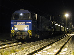 RTB V203 Nijmegen, 16-05-2012 (Niels1836) Tags: nijmegen oss rtb g2000 retrack cereale v203 vossloh rurtalbahn graantrein graanwagens