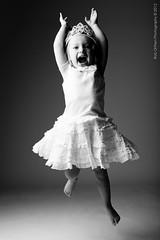 045-Lapsikuvia-6kk (Rob Orthen) Tags: studio childphotography offcameraflash strobist roborthenphotography lapsikuvaus
