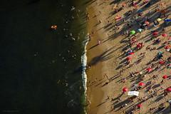 The Red Beach (Edi Eco) Tags: brazil tourism praia beach rio brasil canon janeiro 7d açucar vermelha turismo pãodeaçucar pão morro urca 28135mm bondinho praiavermelha edersalescom