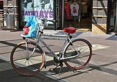 Blauw op een Schiffmacher fiets . (Franc Le Blanc .) Tags: lumix blauw shoppingcentre panasonic arena fiets shertogenbosch ahtas schiffmacherfiets