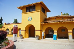Burlingame Caltrain Station (Riex) Tags: california building station caltrain minolta gare arches burlingame batiment californie amount southernpacificlines a900 minoltaamount maxxum28105mmf3545xi